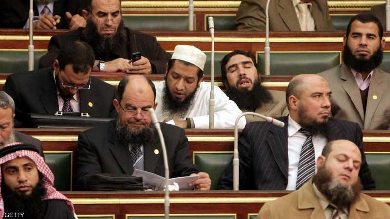 الإسلاميون تحت قبة البرلمان