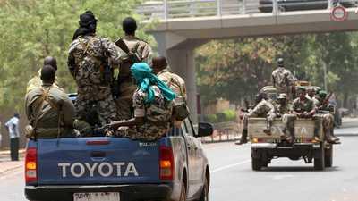 مقتل 21 عسكريا في هجوم إرهابي على ثكنة للجيش وسط مالي