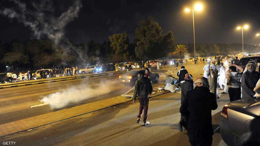 اشتباكات بين قوات الأمن ومحتجين عقب انتخاب مجلس أمة جديد