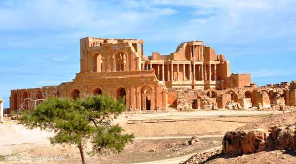 صبراتة مدينة ليبية كان اسمها عند اليونانيين لبروتون بولس كاي ليمن (ميناء ومدينة لبروتون).