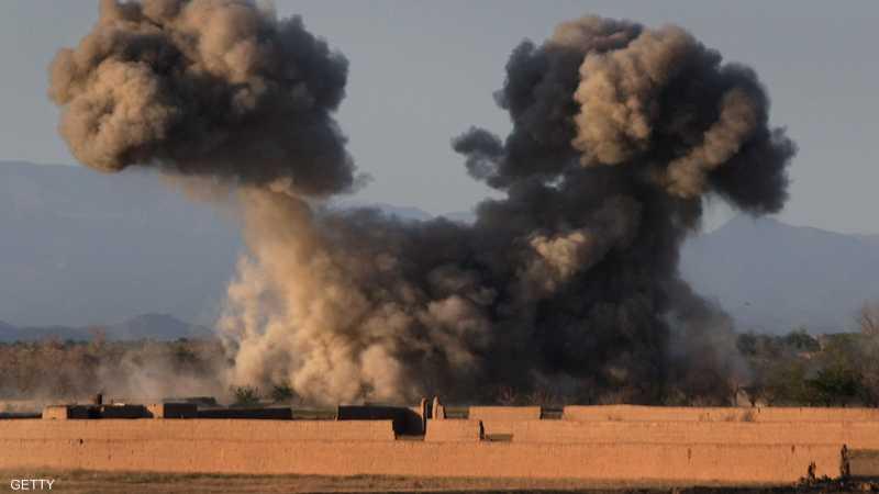 أعمدة الدخان التي لطالما غصت بها سماء أفغانستان.. دليل موثق على فعل القصف الأميركي