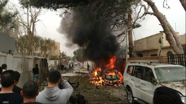 طرابلس ,   ليبيا ,   السفارة الأميركية ,   السفارة الفرنسية ,   انفجار ,   سيارة مفخخة ,   السفير الجزائري