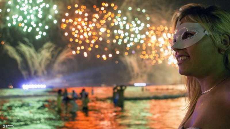 في الكثير من المناسبات والاحتفالات الاجتماعية والوطنية والاقتصادية والرياضية باتت الألعاب النارية قاسما مشتركا للتعبير عن الابتهاج والحبور