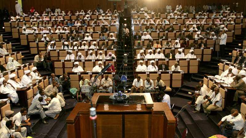 انسحب 60 نائبا من التصويت على قانون الانتخابات