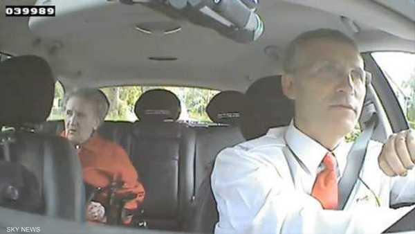 رئيس وزراء النرويج.. سائق سيارة أجرة - لقطة من الفيديو الذي بثته مواقع التواصل الاجتماعي