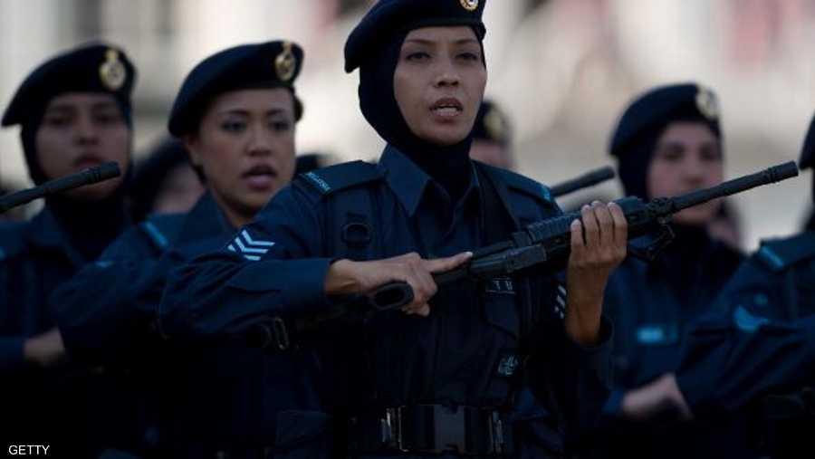 الحجاب واللباس العسكري في ماليزيا
