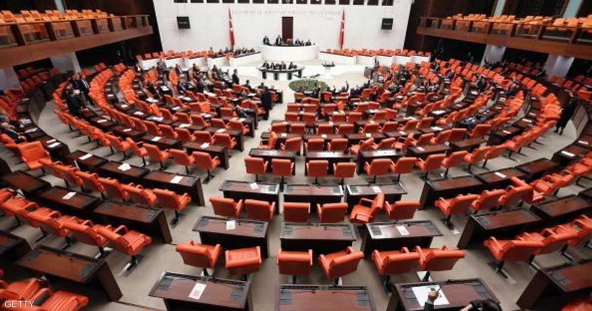 تركيا.. البرلمان يحقق في الفساد