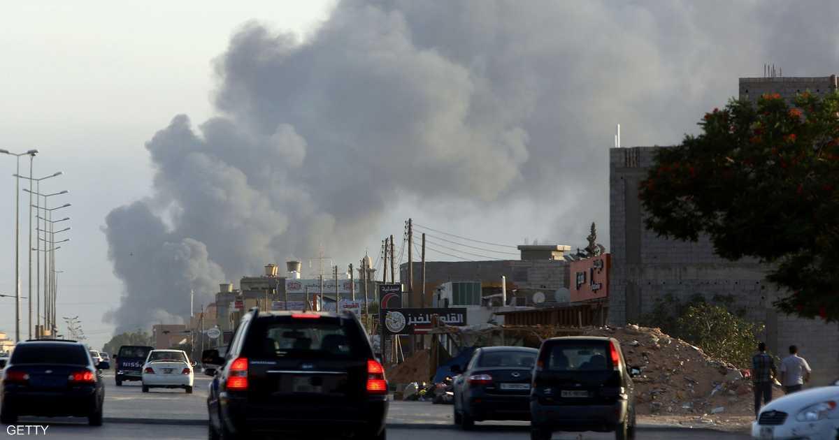 ليبيا.. حرائق نفطية وسط اشتباكات بالعاصمة