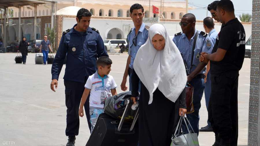 تونس قدرت عدد الليبيين الذين عبروا أراضيها الأربعاء بـ 8 آلاف