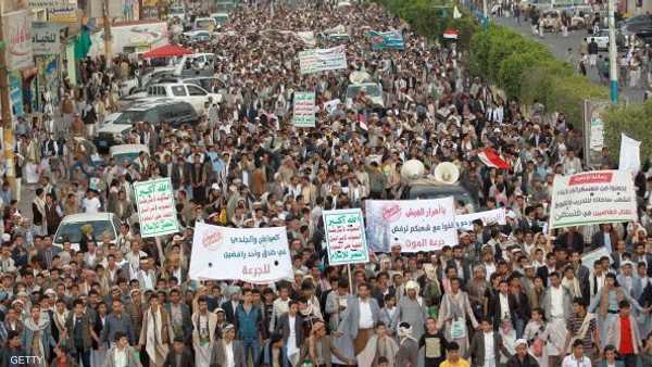جماعة الحوثي تحشد قواها في محيط صنعاء.
