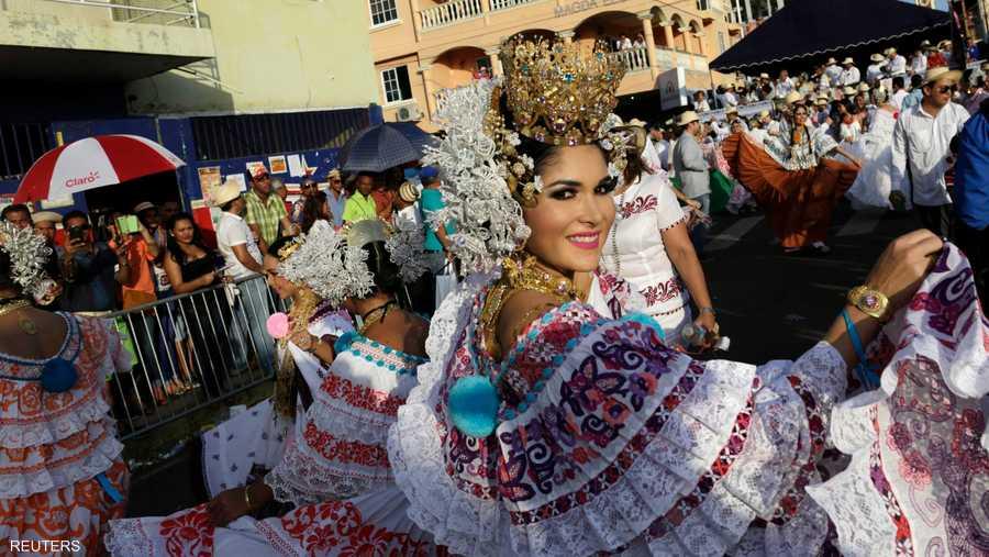 البوليرا.. زي كانت نساء الطبقة العاملة ترتدينه والآن أصبح يشكل زيا تقليديا في بنما
