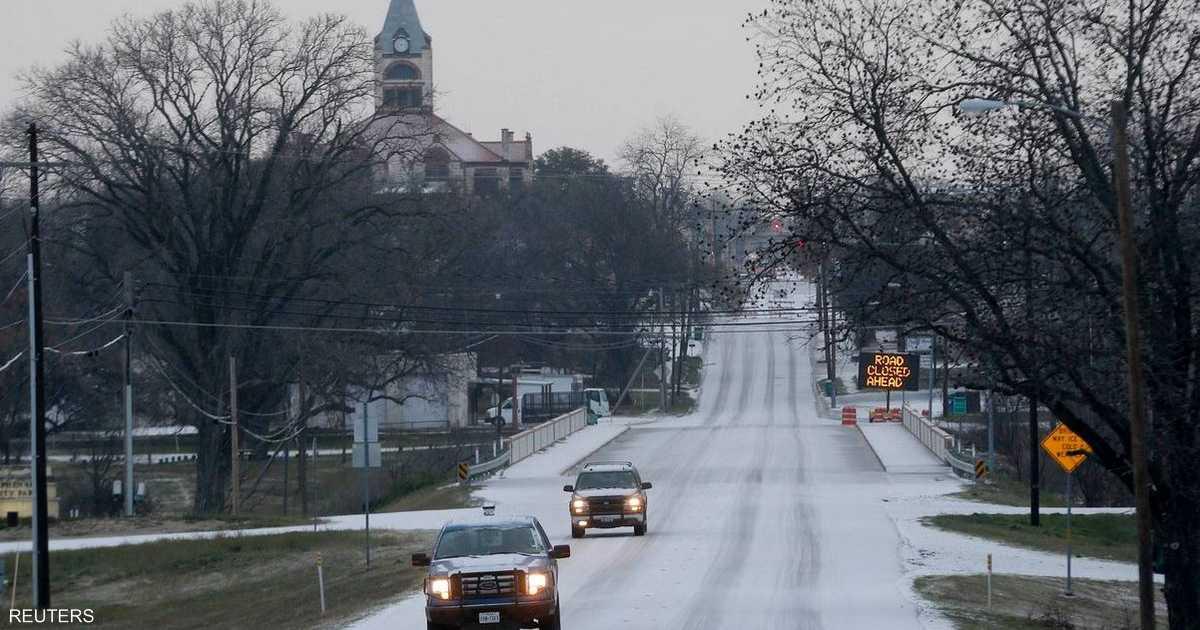 تكساس.. عاصفة جليدية تلغي 1500 رحلة جوية