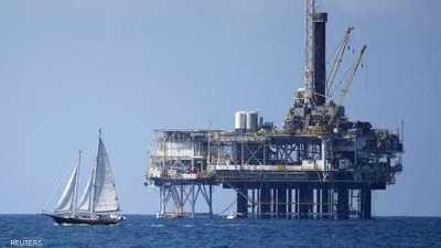 النفط يقلص مكاسبه وسط مخاوف من إغلاق الحكومة الأميركية