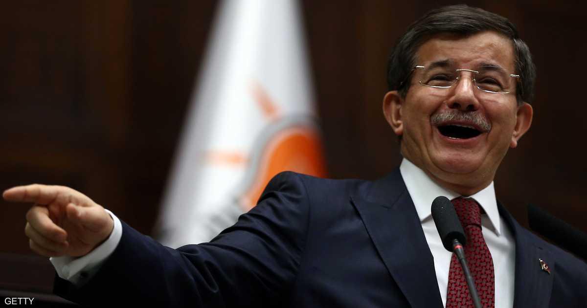 هزيمة إسطنبول تشرخ الحزب الحاكم.. وداود أوغلو ينتقد أردوغان