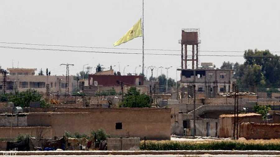 ورفعوا رايتهم وسط البلدة التابعة لمحافظة الرقة