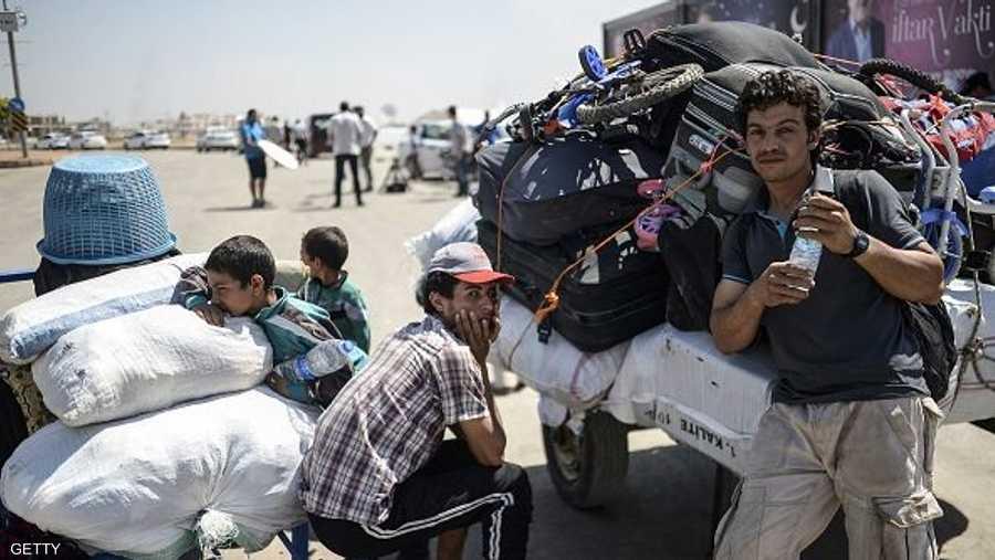 وسرعان ما حزم السوريون ما يملكون من أمتعة وقرروا العودة