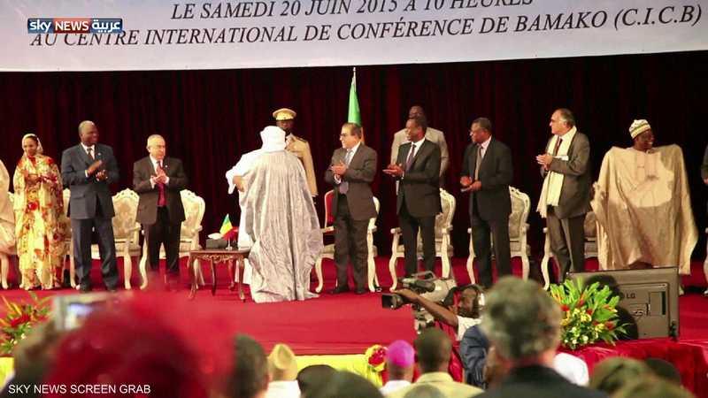 الطوارق والحكومة يوقعون اتفاق سلام بوساطة جزائرية