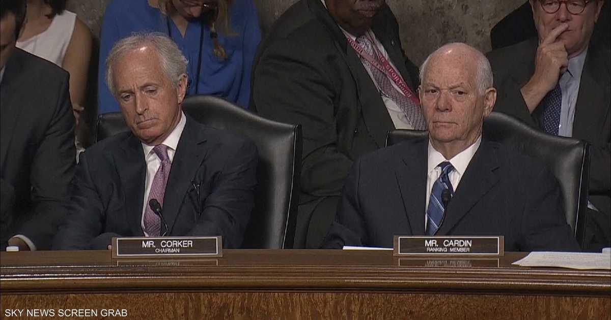 كوكر يتهم كيري بالفشل في اتفاق نووي إيران