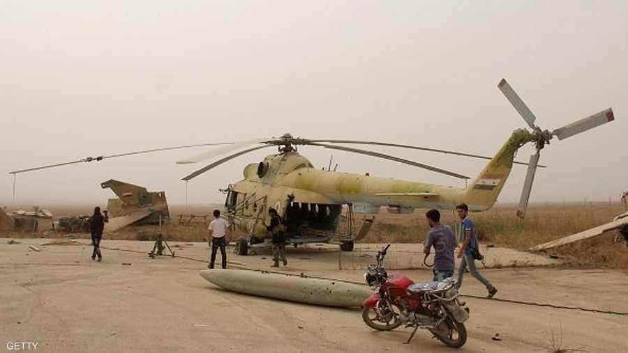 طائرة مروحية عسكرية من بين 15 مماثلة، وقعت بأيدي مسلحي المعارضة