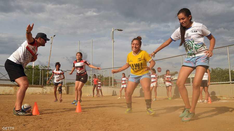 الفتيات أيضا رغبن في الخروج من دوامة العنف والمشاركة بقوة في التدريب