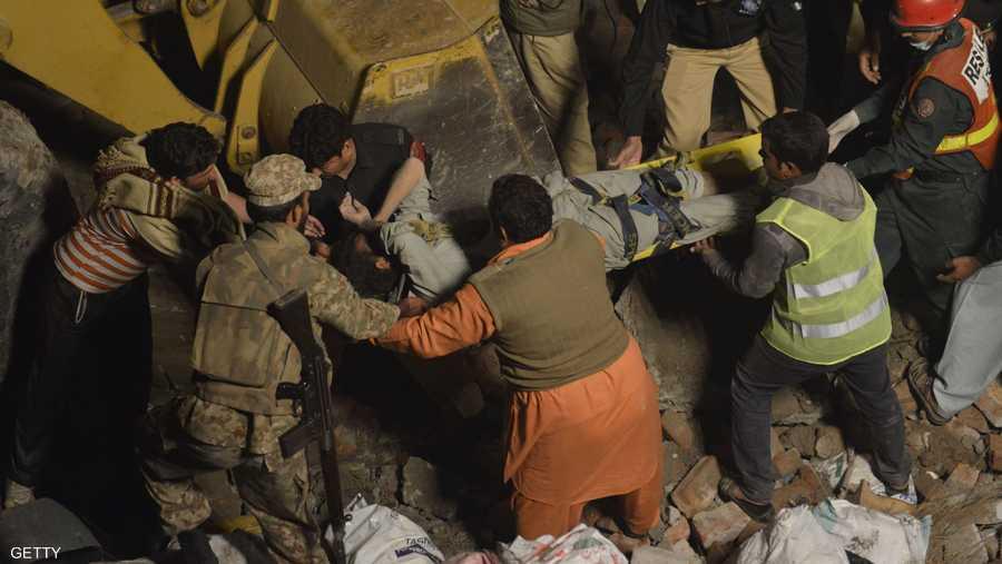 يأتي الحادث بعد زلزال ضرب المبنى قبل أيام.