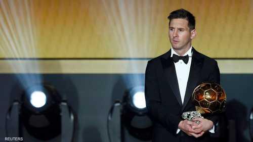 ميسي أفضل لاعب في العالم للمرة الخامسة في مسيرته