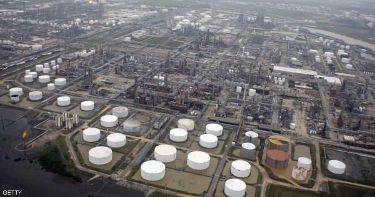 هبوط أسعار النفط وتضاؤل احتمال خفض الإنتاج