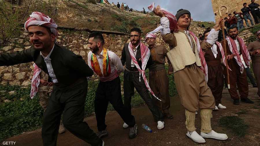 الدبكة الكردية إحدى أهم مظاهر الاحتفال بالنوروز