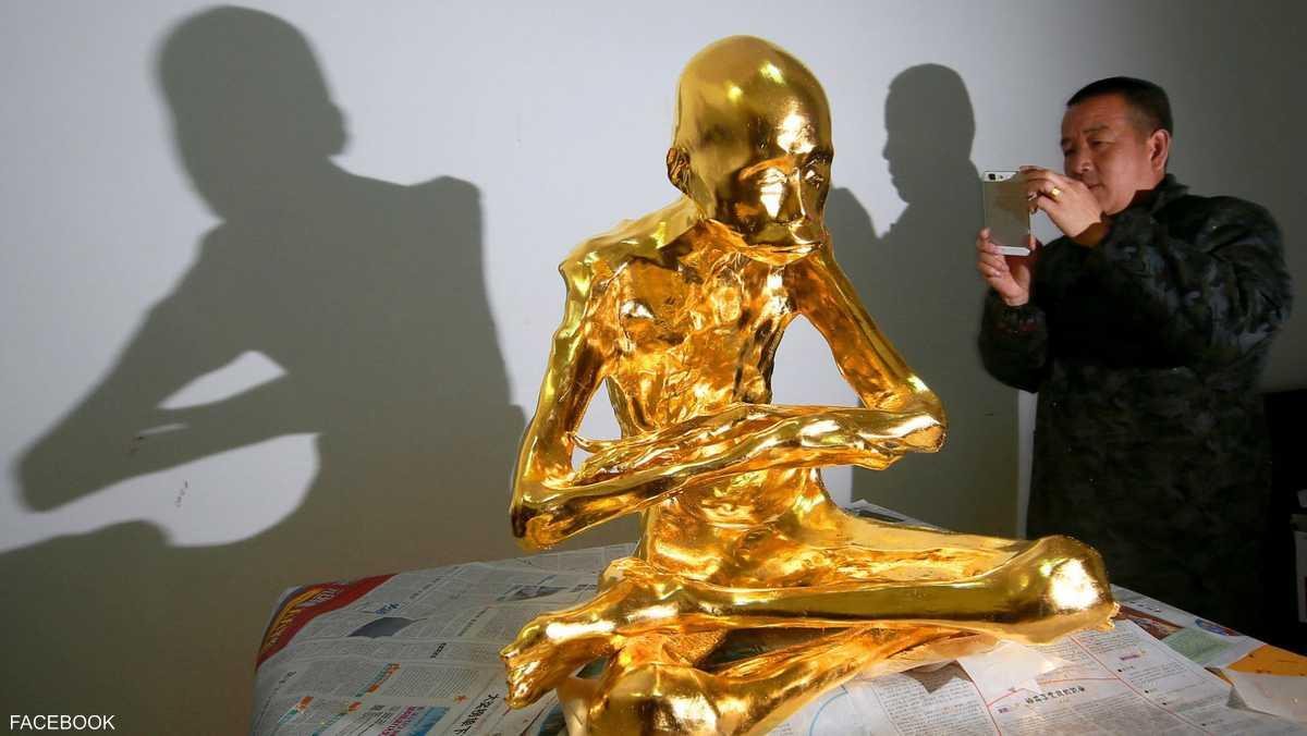 تحنيط راهب بوذي بالذهب أعوام