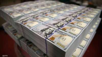 الدولار يتعافى لكن يتجه نحو أسوأ أداء شهري منذ يناير 2018