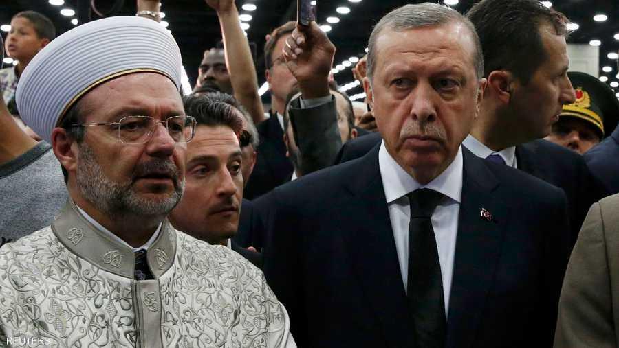 أردوغان شارك في الجنازة