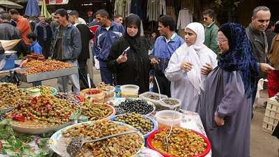سوق شعبي في الجزائر - أرشيفية