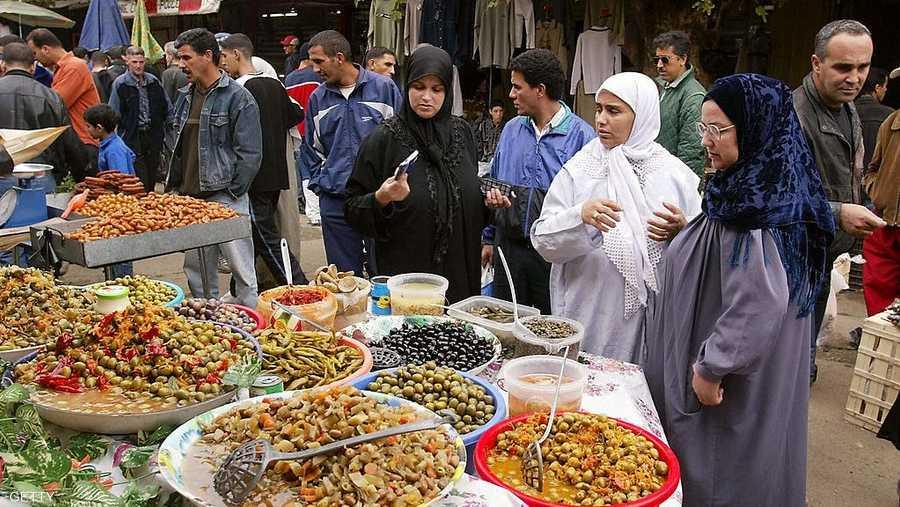 سوق شعبي بالجزائر
