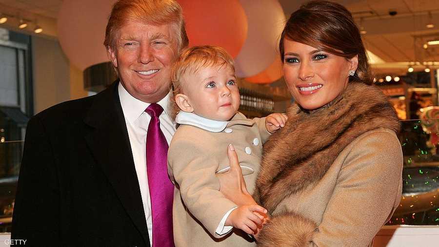 ترامب وميلانيا وابنه بارون