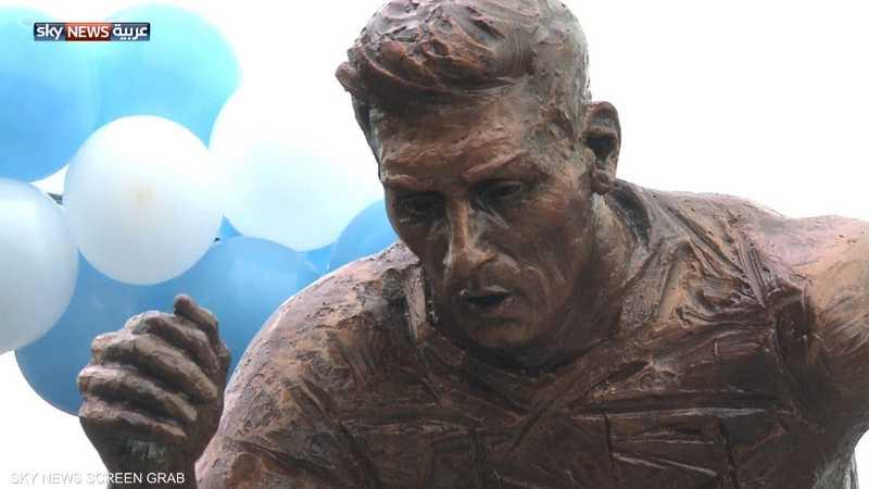 بيونس آيريس تكشف عن تمثال ليونيل ميسي