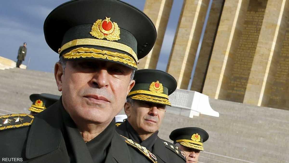 تحرير رئيس الأركان التركي واعتقال مئات العسكريين 1-857851