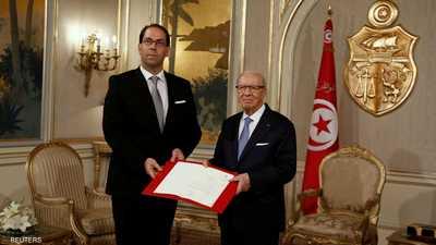 السبسي يحاصر الشاهد.. ويدعو لتعديل الدستور التونسي