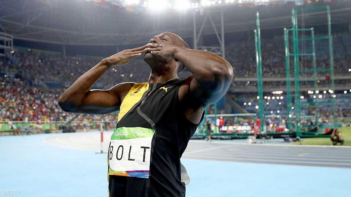 أصبح بولت أول عداء في التاريخ يحرز 3 ألقاب أولمبية متتالية في سباق 100م