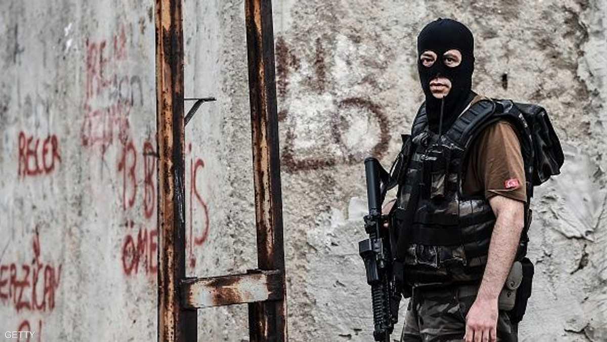 تركيا.. اغتيال قيادي في الحزب الحاكم
