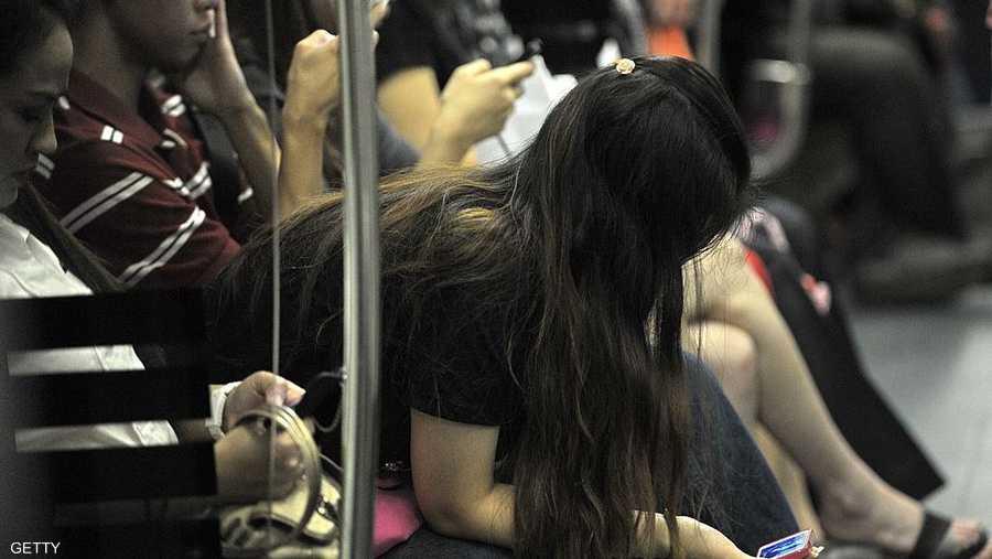 وضعية الجسم السيء تكمن عندما يتم إمالة الرأس إلى الأمام بنحو 60 درجة