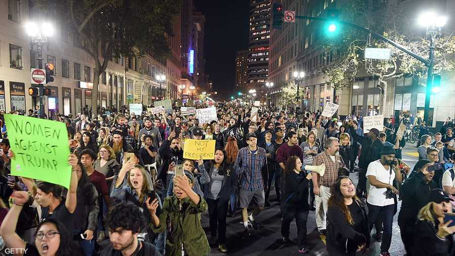 الآلاف نزلوا إلى شوارع أوكلاند