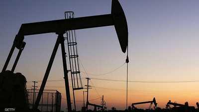 النفط يصل أعلى مستوياته منذ نحو 14 شهرا