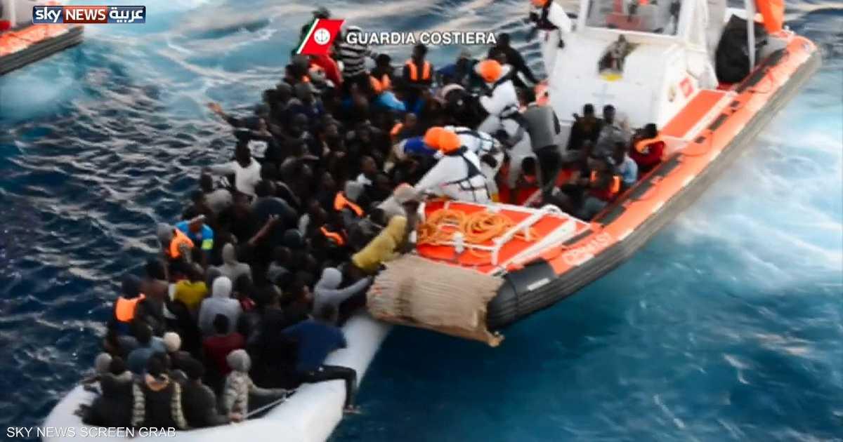 """هل هناك """"مؤامرة"""" لنقل المهاجرين إلى إيطاليا؟"""