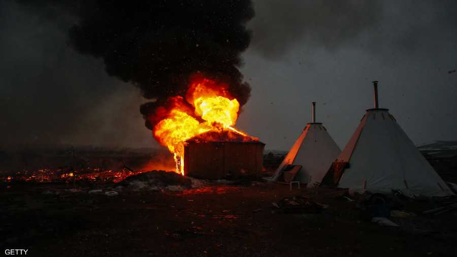 """تظاهر السكان الأصليون ضد إقامة الإنبوب على """"أرضهم المقدسة"""""""