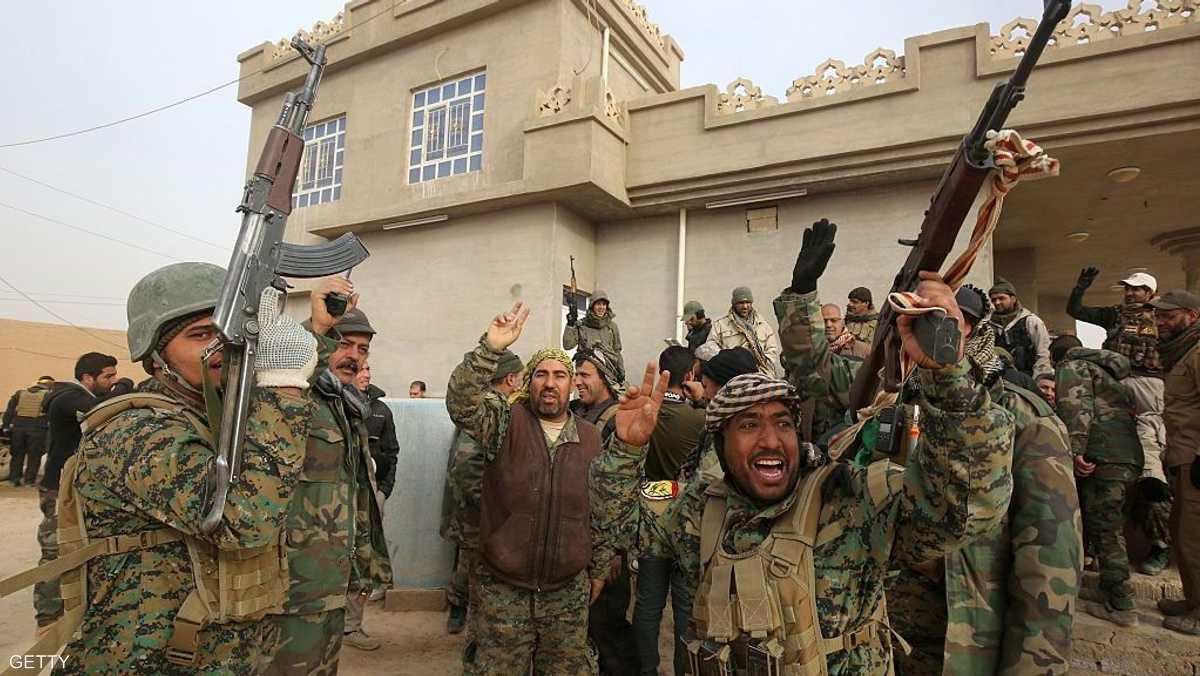 """ميليشيات """"الحشد الشعبي"""" تردد شعار داعش"""