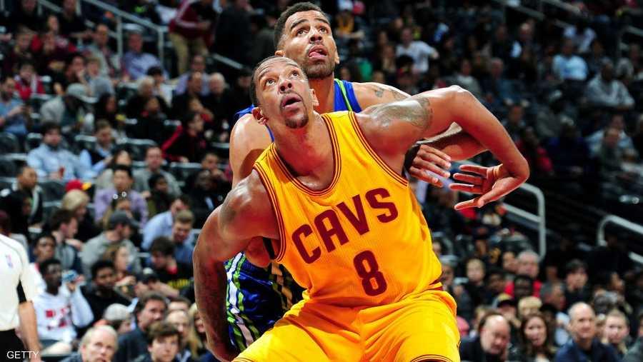 صراع تحت السلة حسمه حامل لقب NBA