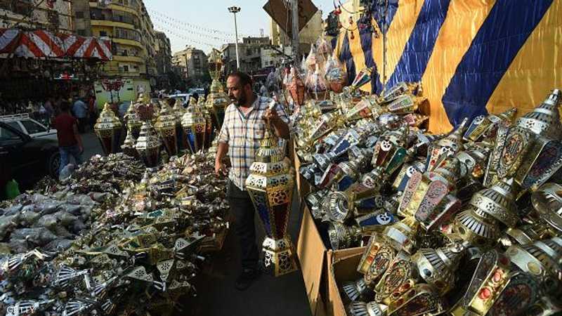 صناعة الفوانيس تستمر طيلة العام في مصر