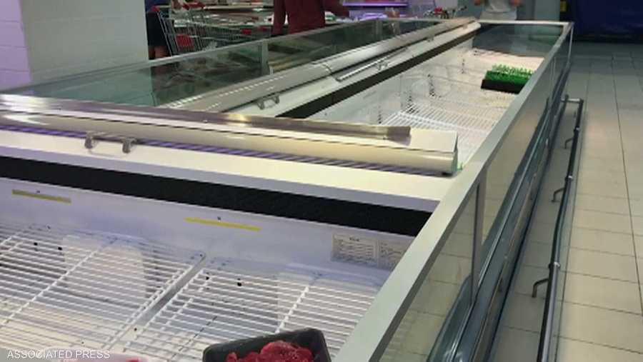 كانت هذه الثلاجات عامرة قبل الأزمة