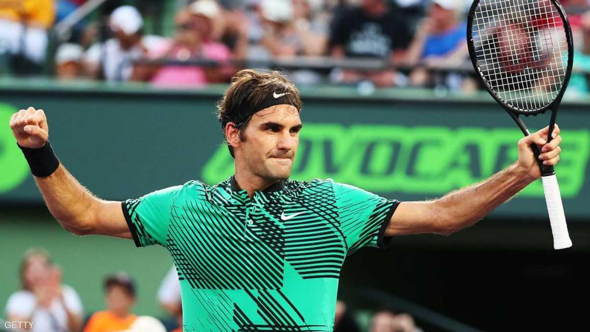 السويسري فيديرير، لاعب تنس، الدخل: 64 مليون دولار.