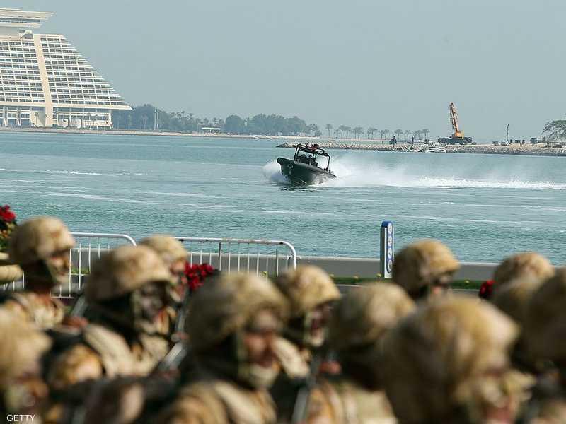 استعراض لجيش قطر في الدوحة
